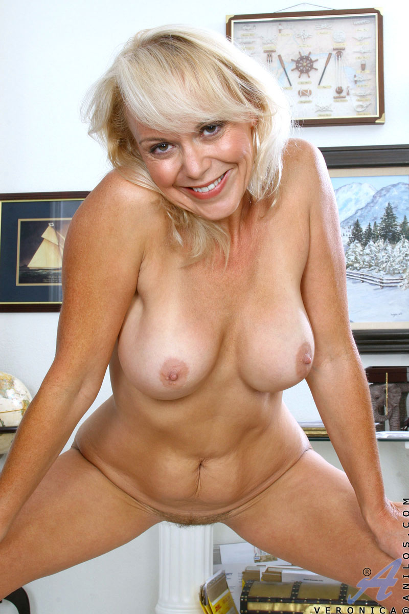 mature saggy pussy