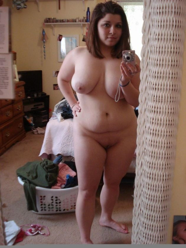 fat girl naked mirror pic